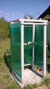 Как построить летний душ из поликарбоната своими руками