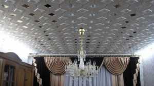 Плитка из полистирола для потолка