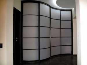 Двери из оргстекла